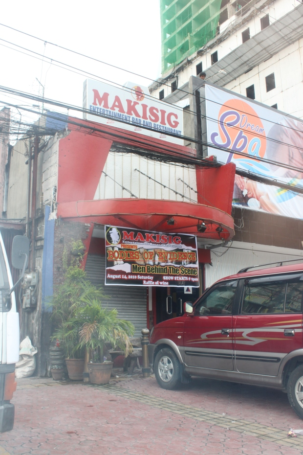 Makisig Entertainment Bar and Restaurant near the Boy Scout Memorial at the intersection of Tomas Morato Street and Timog Avenue